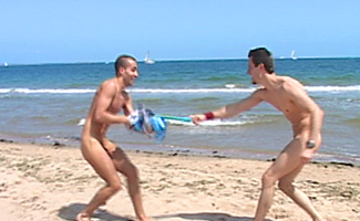 Englishlads.com: Bentley fucks Ivo on the beach