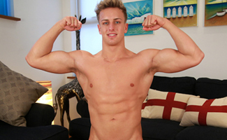 Englishlads.com: Big Muscled Wes & His Rock Hard Uncut Cock! Prime British Beef!