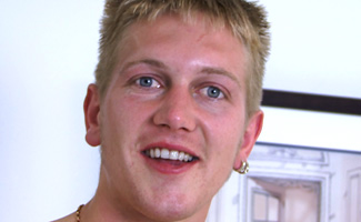 Englishlads.com: Blond Str8 lad - with a big handful of uncut meat