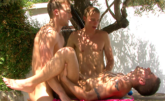 Straight Hunks Rich & Chris Switch Fuck Dan's Tight & Soon Fulfilled Hole before Drowning him in Cum!