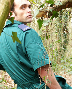 Englishlads.com: Gary strips out of his overalls in the woods and cums all over his muscular stomach and chest