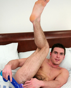 Englishlads.com: Muscular Straight Hunk Paddy Pumps his Hole With a Dildo For The First Time!