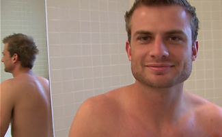 Englishlads.com: Str8 athlete wanks in bath