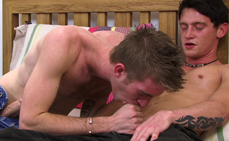 Matt Hughes & Anthony Carson Str8 hunky Yorkshireman Anthony takes all of Big Matt's 12 Incher!