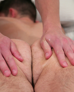 Englishlads.com: Straight Young Pup Oli Hall Gets His 1st Ever Man Handling - Great Massage & Shoot!