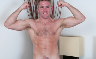 Englishlads.com: Fit Marine Brett - pumped up and ready to explode!