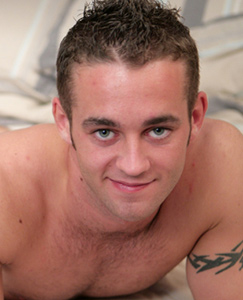 Englishlads.com: Hairy Rugby Hunk - with a hairy hole to match!
