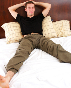 Englishlads.com: Handsome lad Alex plays in his pants before showing us how flexible he can be, trying to suck himself off!