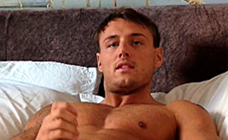 Englishlads.com: Home Movie - Sexy Muscular Tyler Shares His Morning Glory - Wank & Dildo Fun!
