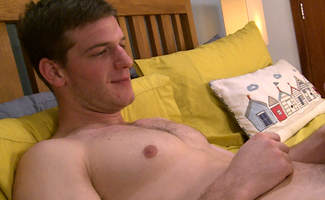 Straight Boxer Jamie Wanks His Chunky Cock & Cums Over His Chest and Abs!