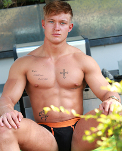 Englishlads.com: Muscular Young Rugby Player Albie Shows us his Throbbing Uncut Erection!