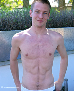 Englishlads.com: Newbie James - Blond, Str8, Defined and Well Hung