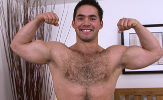 Englishlads.com: Str8 & How Hairy Jerry Vale - str8 hunk & how pumped up lets loose!