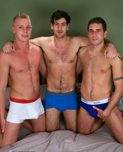Englishlads.com: Str8 Lads Doug & Chris in a Kiss, Suck & Fuckfest with Dan!