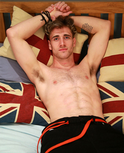 Englishlads.com: Straight Hairy Hunk James Wanks his Eight Inch Uncut Erection & Shoots Big!