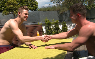 Englishlads.com: Straight Hunk Damian Gets his 1st Man Wank & How Hard is his Uncut Cock!