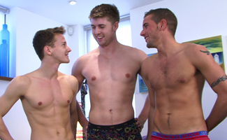 Englishlads.com: Straight Hunk Dan James gets blown by Darius who gets Fucked by Dan Broughton!