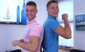 Englishlads.com: Straight Hunks Scott and Zack Playing Around with Each Other!