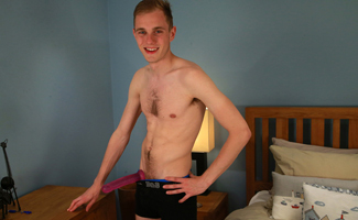 Englishlads.com: Straight Lad Luke Pounds his Hole for the First Time and Loves it!