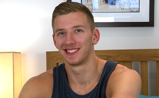 Englishlads.com: Tall, Lean & Ripped - Str8 Lad Andrew gets first BJ from a guy - and enjoys it!