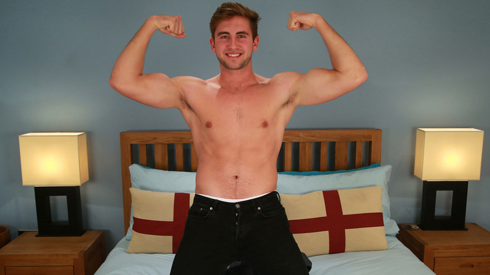 Muscular & Ripped - Straight Lad Peter is Also Hung!