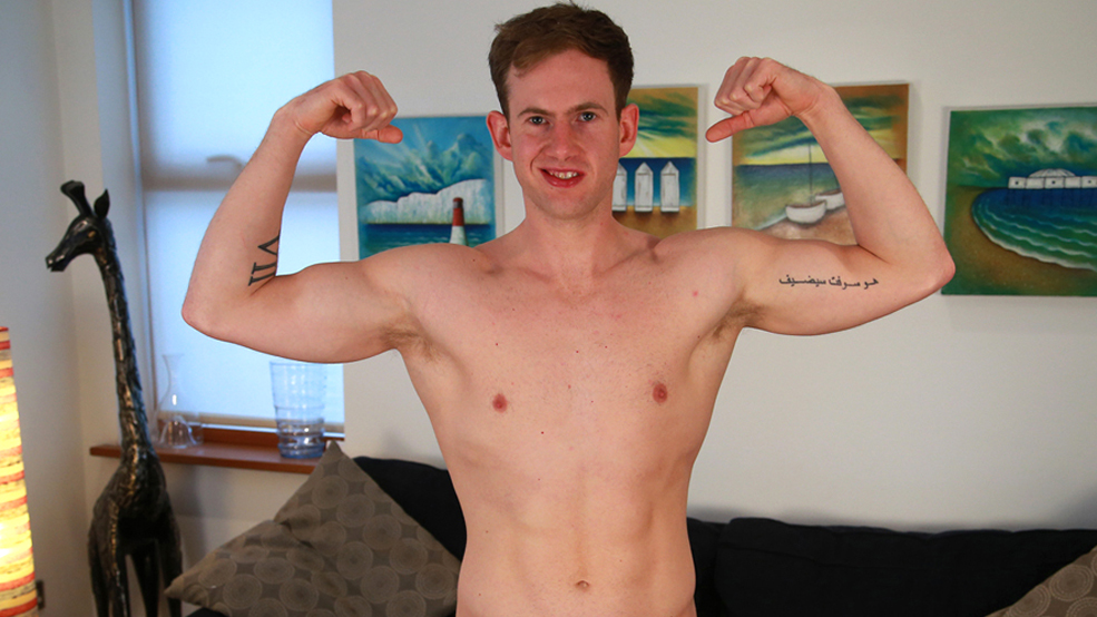 Straight Personal Trainer Ryan Shows off his 8 Inch Cock & Lightly Hairy Hole!