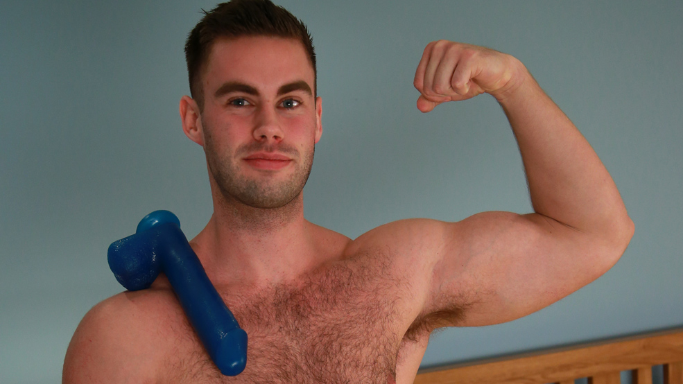 Tall & Muscular Straight Lad Tom Pumps his Hairy Hole with a Few Dildos & Cum Explodes with Force!