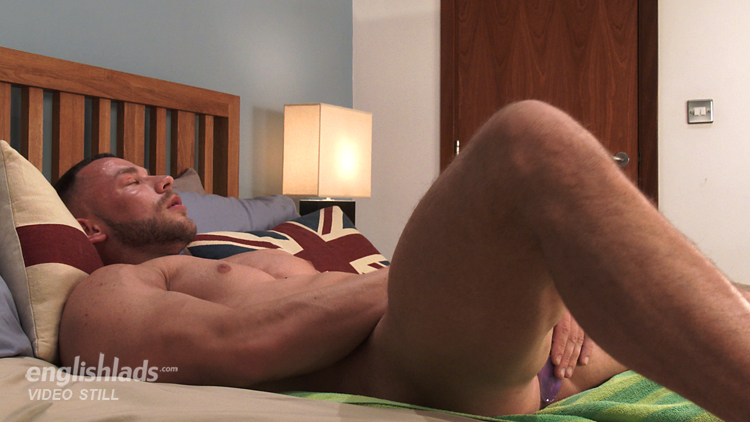 straight-hunks-orgasm-kara-naked-sex
