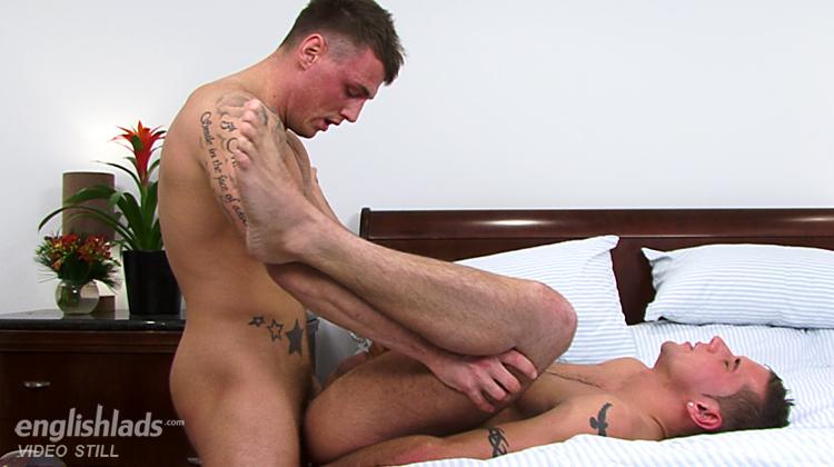 Cute guys in tats sucking banging