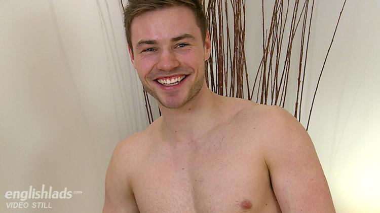 Cute Muscular Chap Wanks His Long Dick