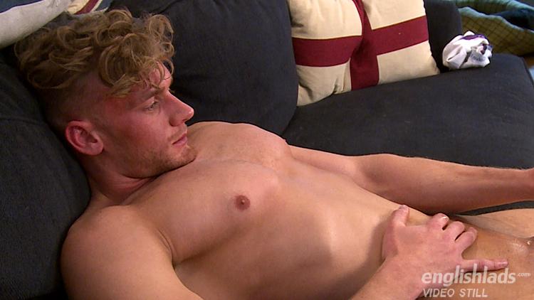 Tall & Muscular Straight Lad Noah Wanks his Massive Cut Cock & Drowns  Himself in Cum