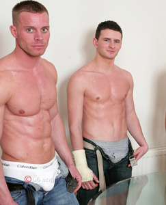 Englishlads.com: 4 str8 lads wank off