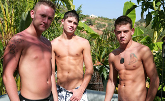Will Jamieson & Jake Cooper & Anthony Clarke Chain fuck in Paradise