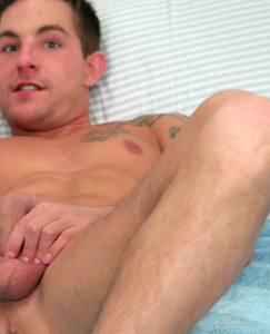 Englishlads.com: Muscular Straight Stud Lance - In a Double Ender Experience!