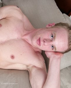 Englishlads.com: Newbie Nathan - Str8 PT with a very muscular and well defined body - hair free except...