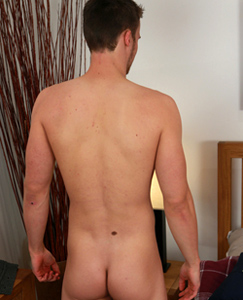 Englishlads.com: Personal Trainer Will Showing off his Very Hard Uncut Rocket!