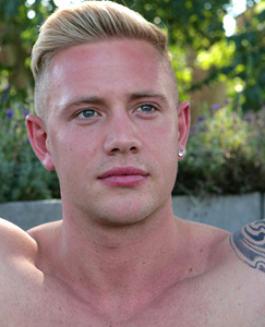 Englishlads.com: Rugby Hunk & Personal Trainer Callum Stuart - Favourite Straight Blond Returns!