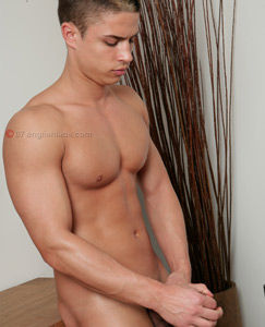 Englishlads.com: Str8 hunk surprise