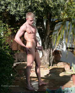 Englishlads.com: Str8 PT Callum - Loving the Sun on his Balls and Breeze up his Hole!