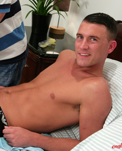 Englishlads.com: Straight Hunk Jude Massaged & 1st Time Wanked by a Guy!