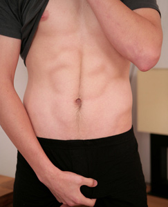 Englishlads.com: Young Free runner Max - This str8 18yo shows off his nicely muscled body