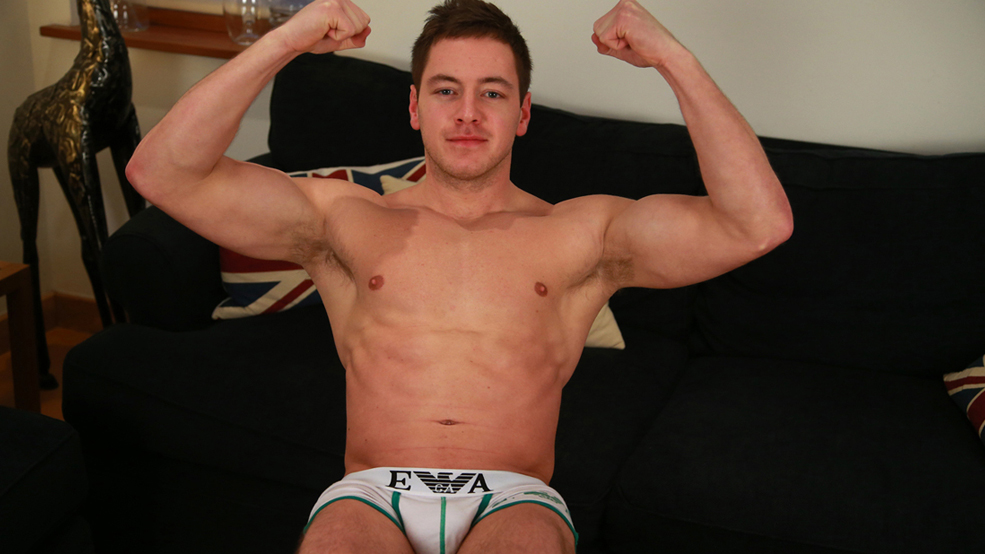 Sixpack gay muscle cock photo
